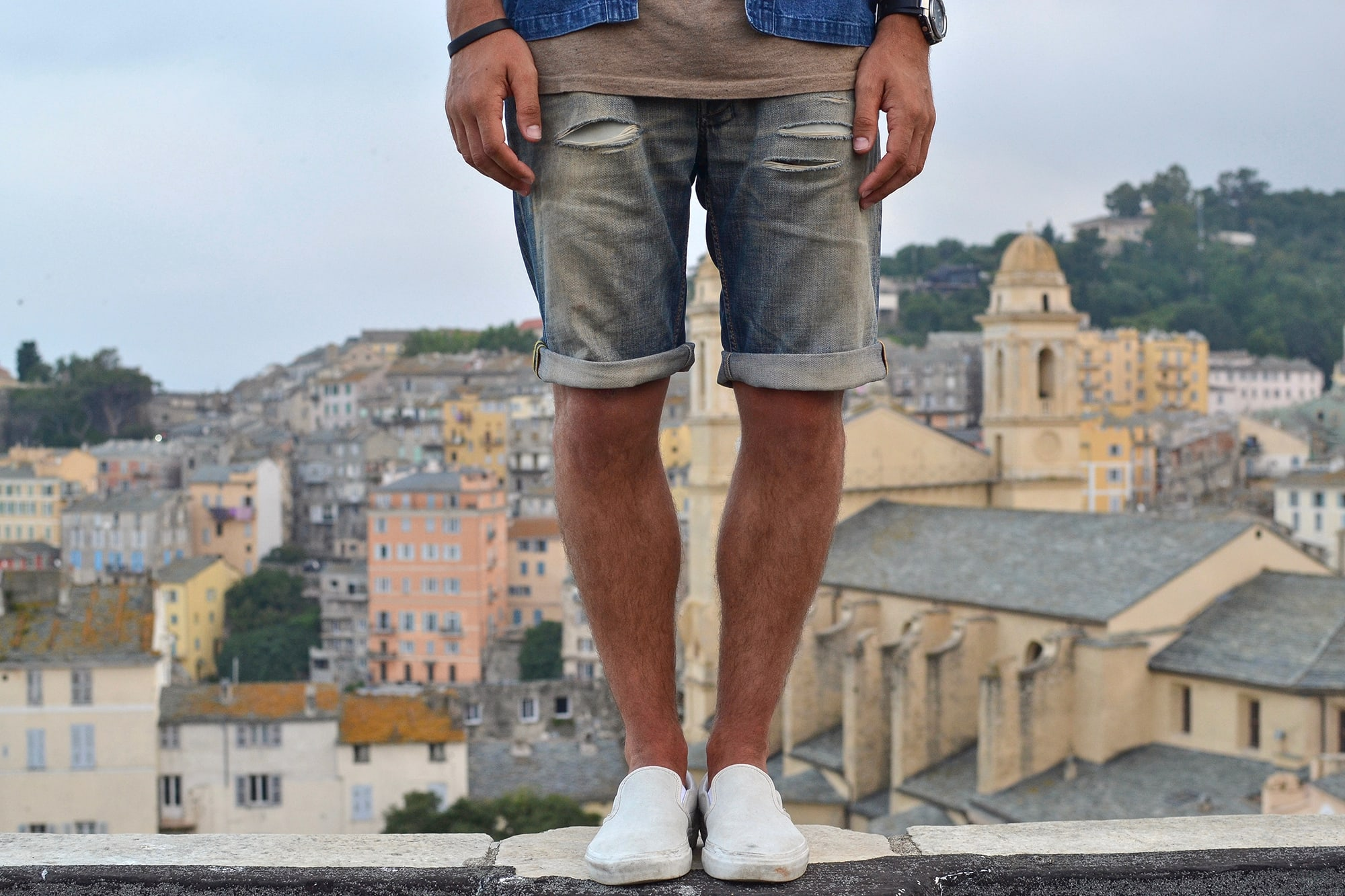 Orvis kapital noragi like avec un tee norse projects, un short en jean cutom diesel et des vans slip on