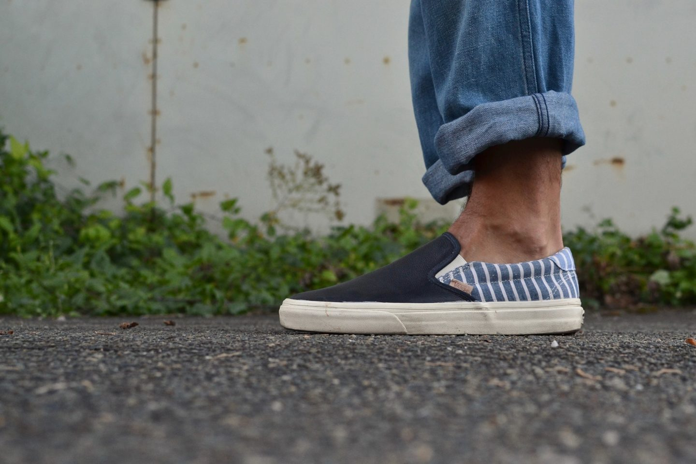 Blue-Blue-shawl-coverall-jacket-Overlord-brand-tee-shirt-Visvim-deck-pants-Vans-slip-on-sneakers-13-1440x960.jpg