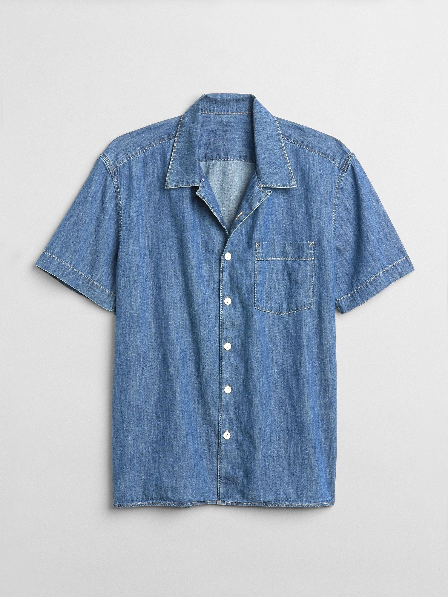 Standard Fit Short Sleeve Shirt in Denim