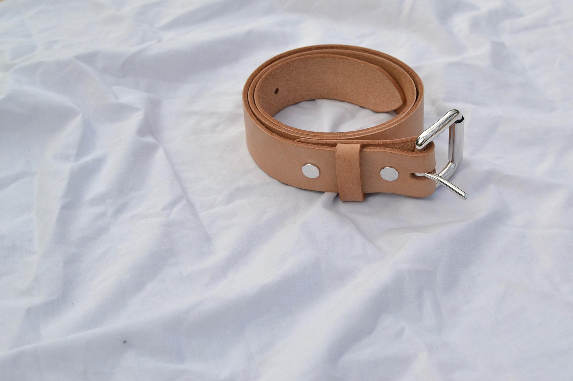Cinture sympa bonnard en cuir naturel et boucle laiton argent