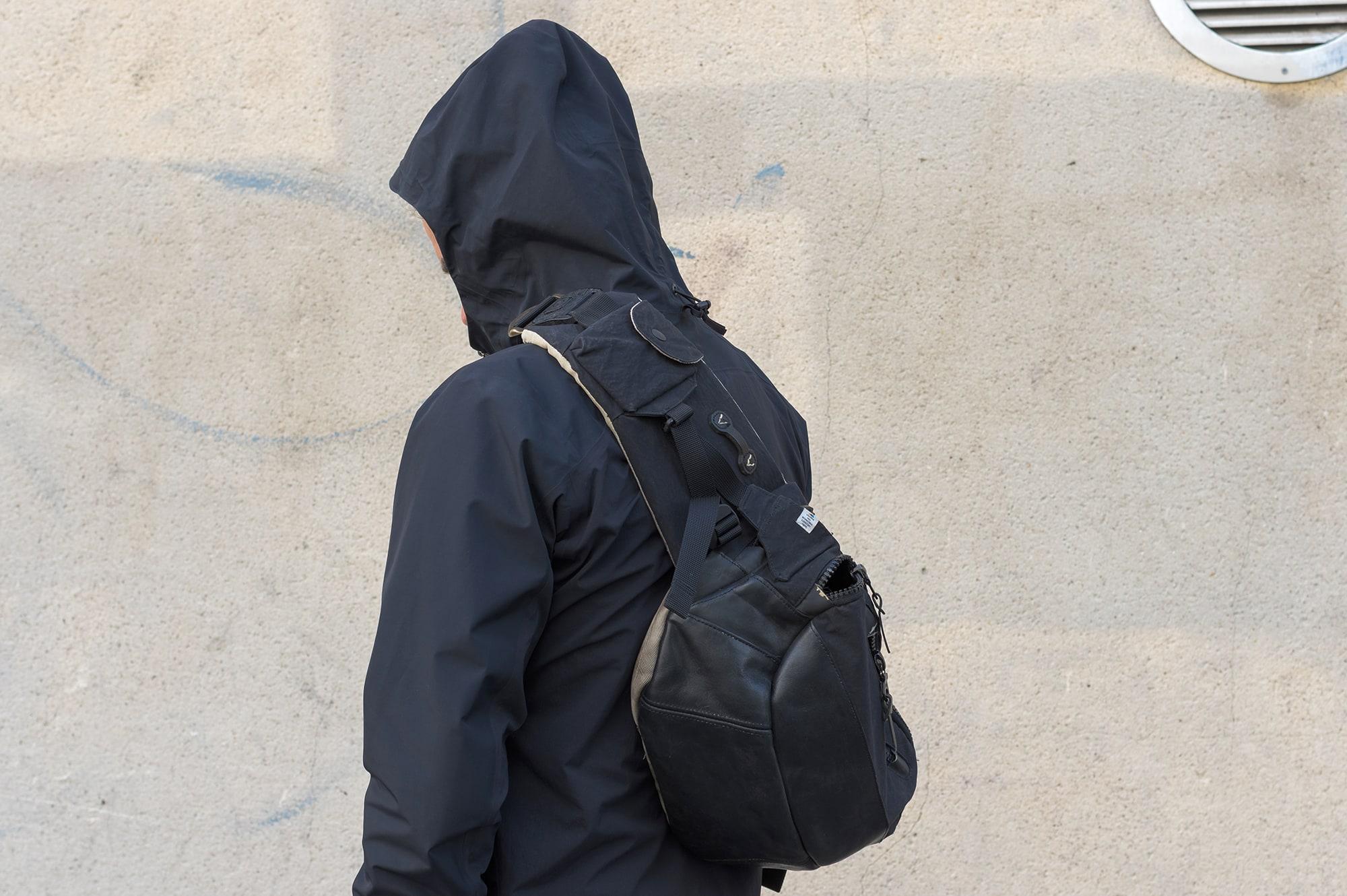tenue stule street heritage techwear avec la composite jacket de arc'teryx veilance en goretex et le bomber technique polartec bonne gueule + visvim ballistic cordura lumberjack backpack