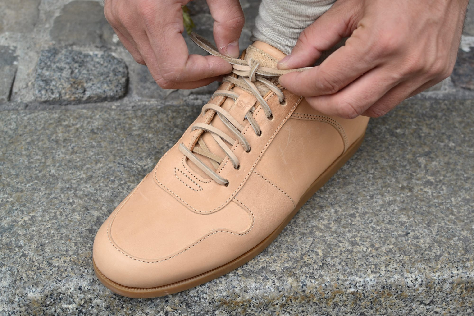 Standard Fair natural leather shoes model sport camp made in USA Maine shoes sneakers en cuir naturel et à potentiel de patine