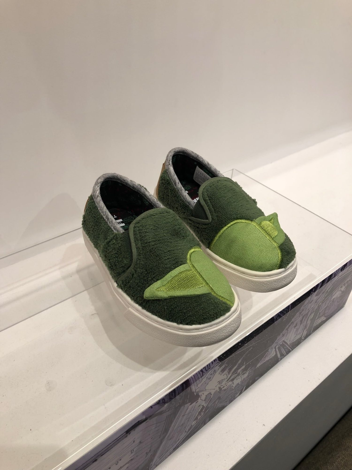 TOMS x Star Wars yoda for kids slippers sneakers shoes