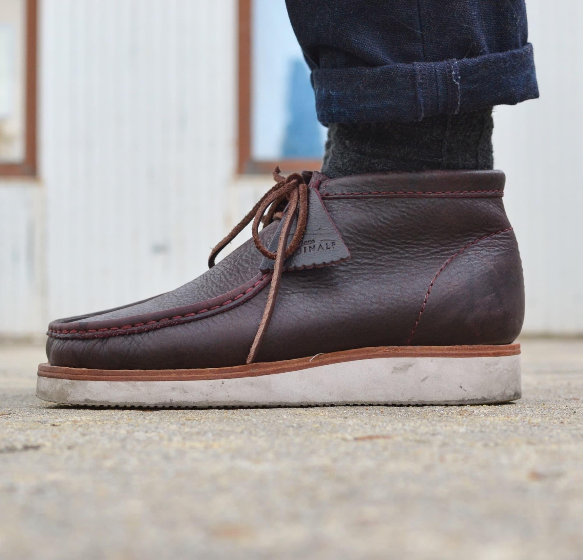 comment porter des Clarks wallabee hike boots burgondy leather & vibram soles