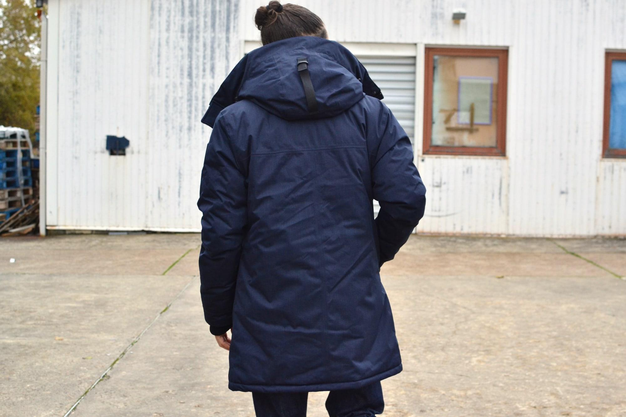 conseil idée sur une tenue style casual chic portée avec une touche street heritage et comment porter une parka nobis modèle avec un pull lafaurie paris et des longwing façon alden en cordovan