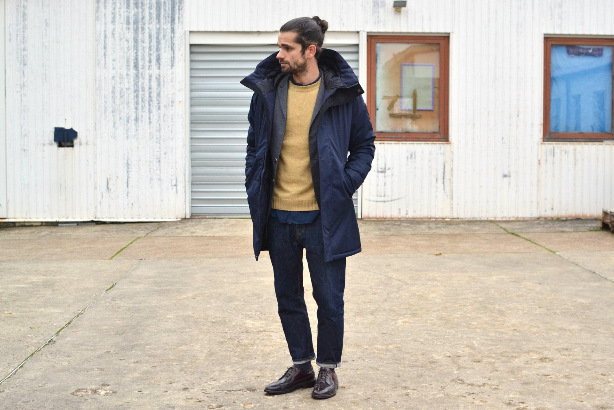 comment avooir du style avec une parka technique dans une tenue professionnelle de bureau pour homme - pouboir rester élégant et confort
