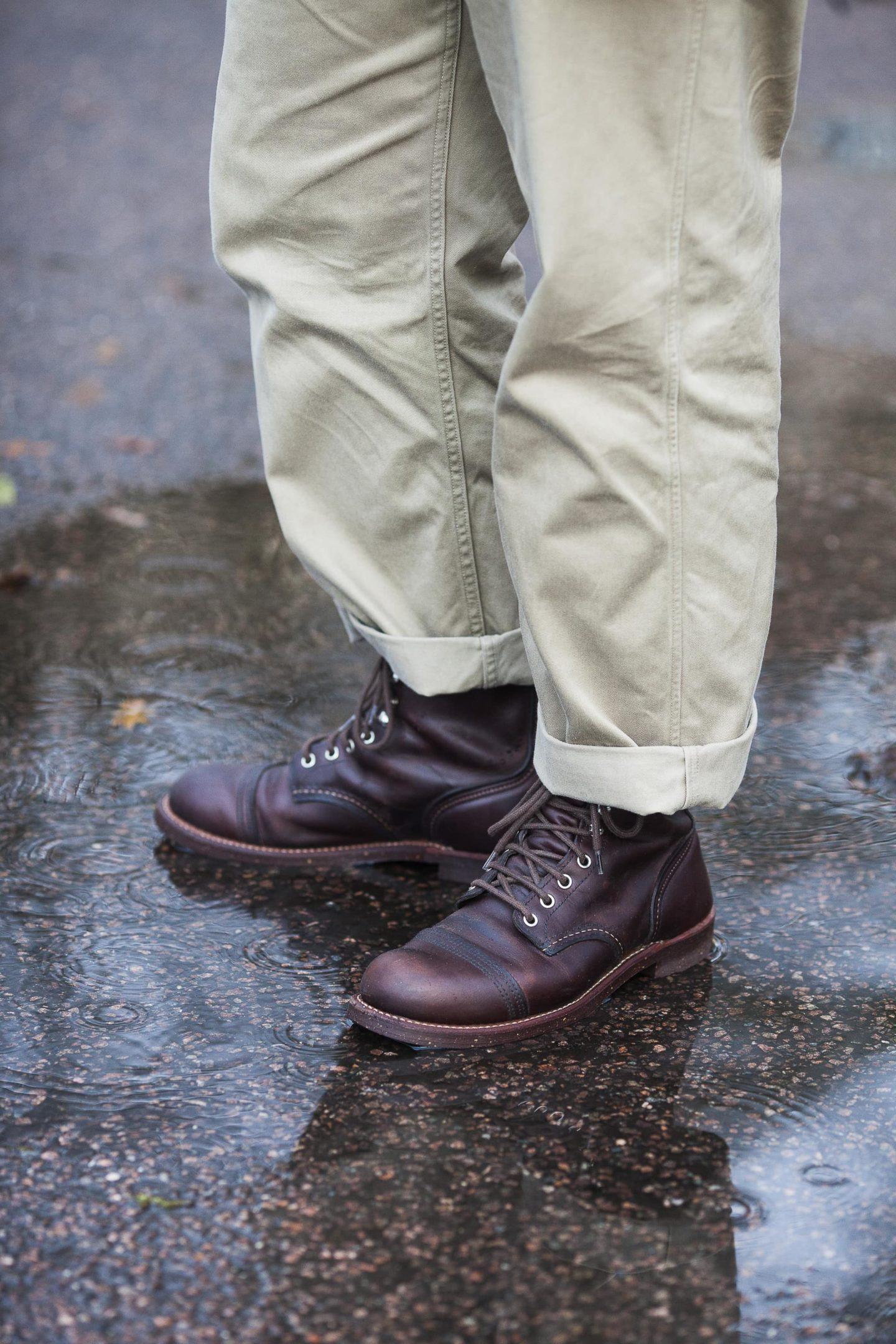 idée de tenue avec des red wing iron ranger boots et un pantalon taille haute pour homme
