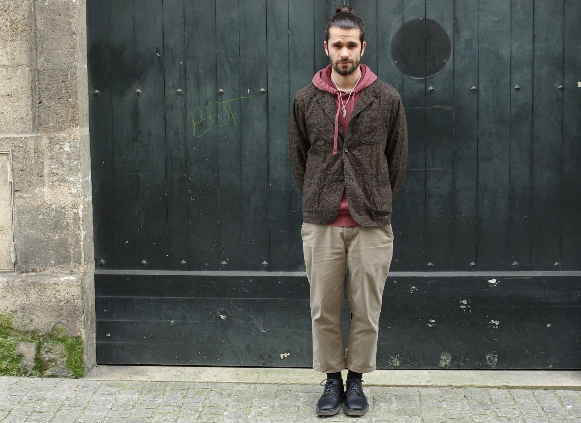 Comment porter un pantalon ample chino coupe droite dans un style masculin norse projects aros heavy chino coupé court