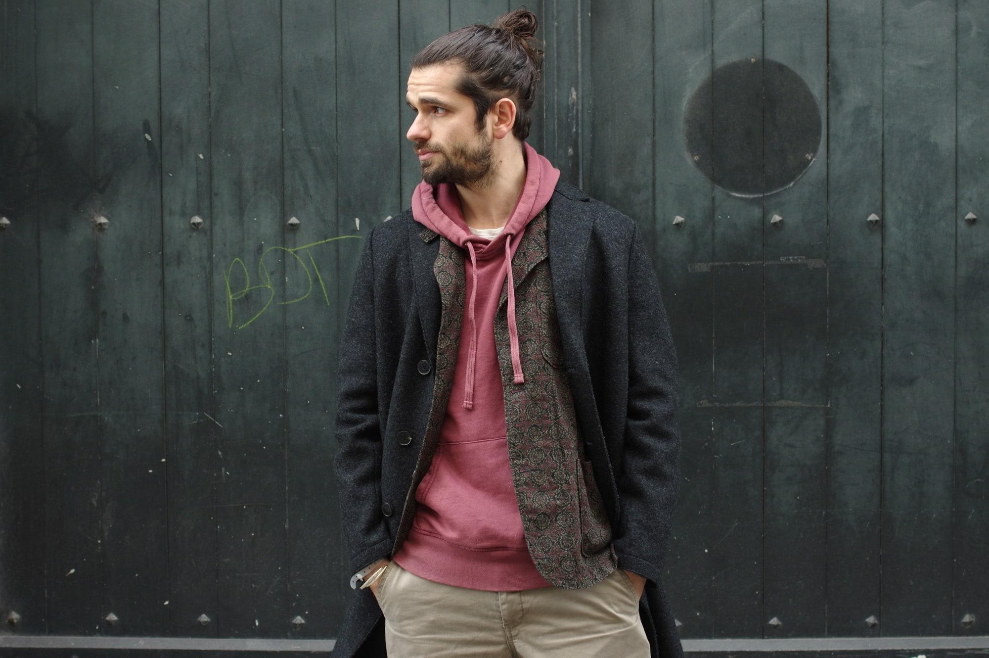 comment porter un manteau long avec un hoodie dans un style homme masculin harriw wharf london boiled wool coat