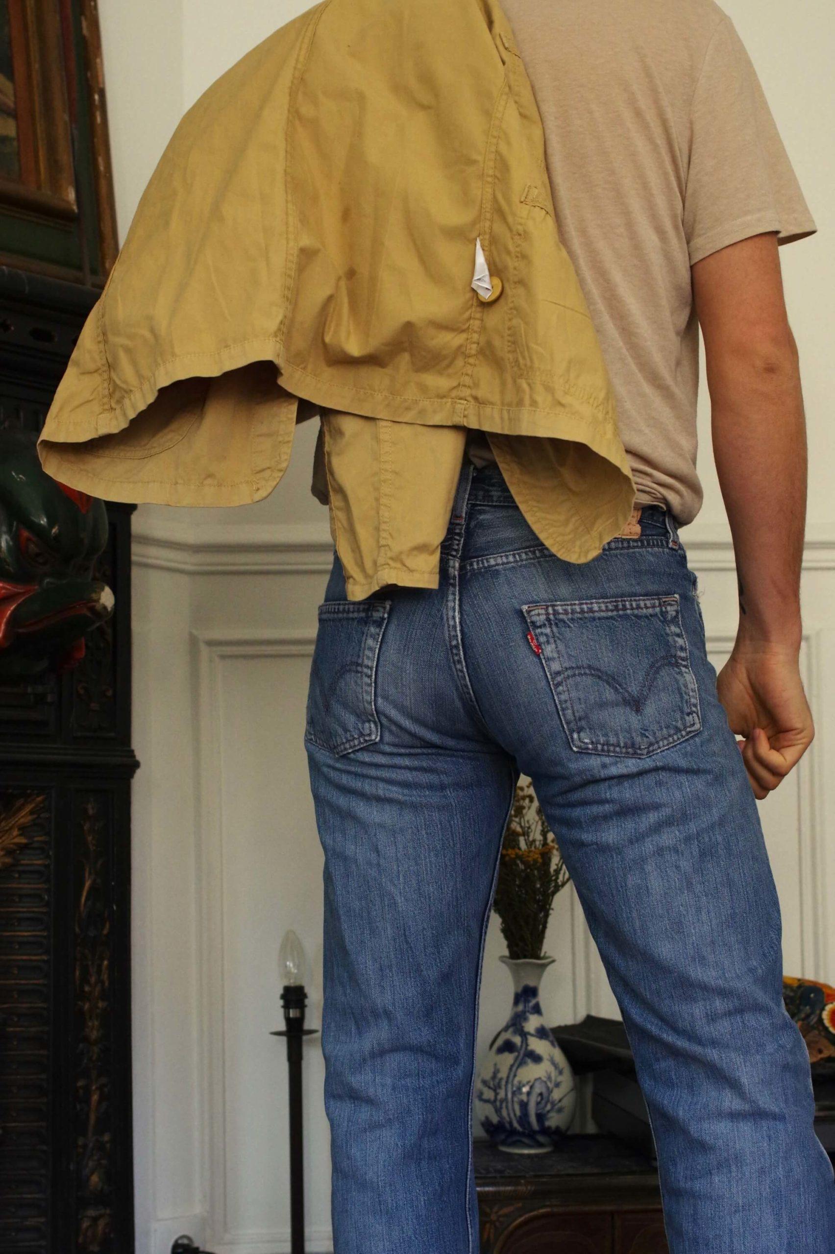comment porter un jean size-down avec un levis vintage 501 stone wash