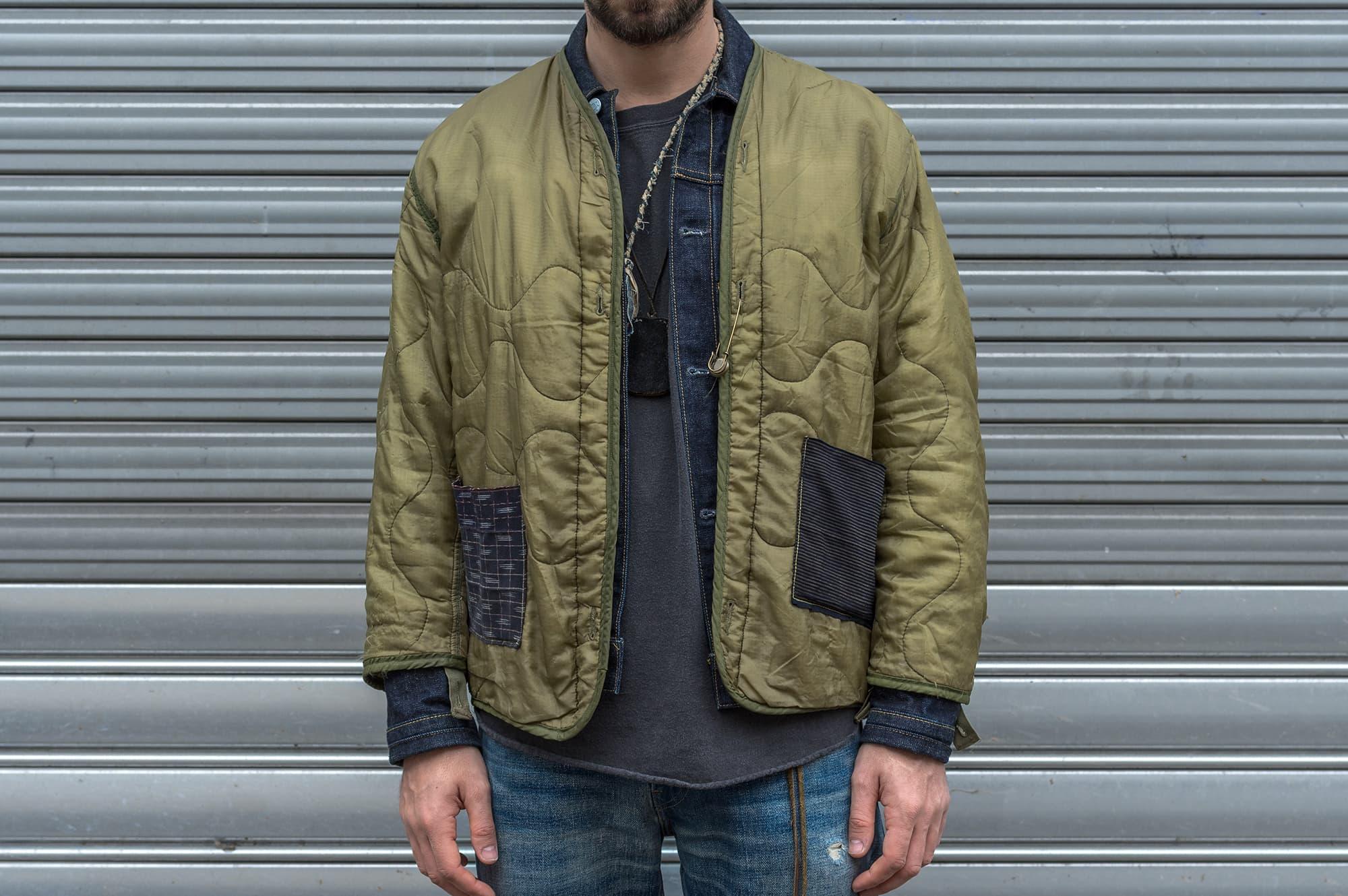 Comment porter un liner de m65 doublure vintage - rework gaijing avec patchwork boro japonais sashiko layering avec une veste en jean trucker type 1