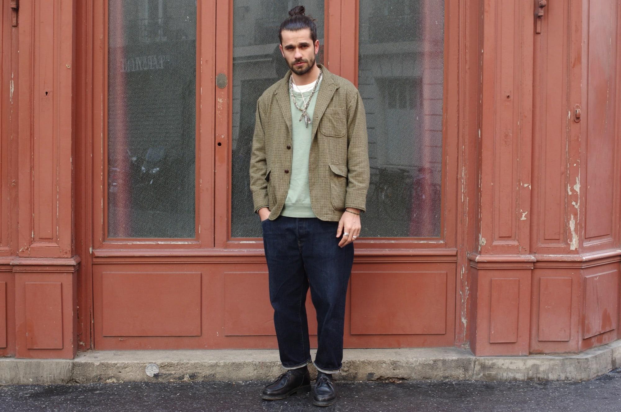 idée de look homme avec une tenue avec une veste à motif pied de poule dans une tenue street heritage vintage décontractée