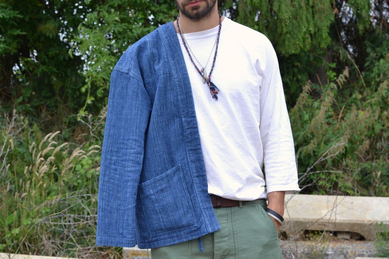 idée de look avec un tee-shirt manches 3/4 coupe baseball et noragi Borali avec bjoux pour homme