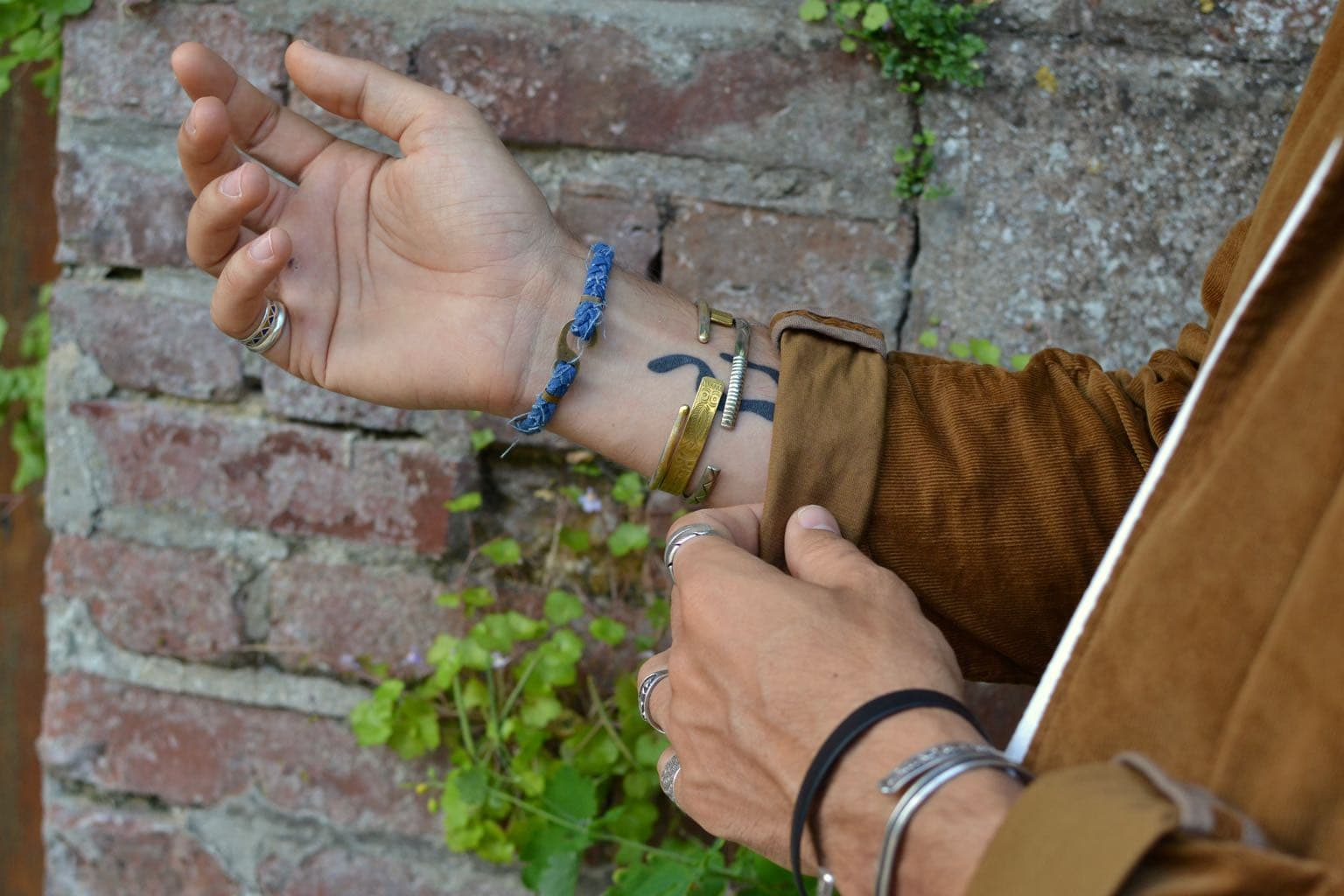 idée look avec bracelet borali style workwear homme et accessoires en tissu recyclé