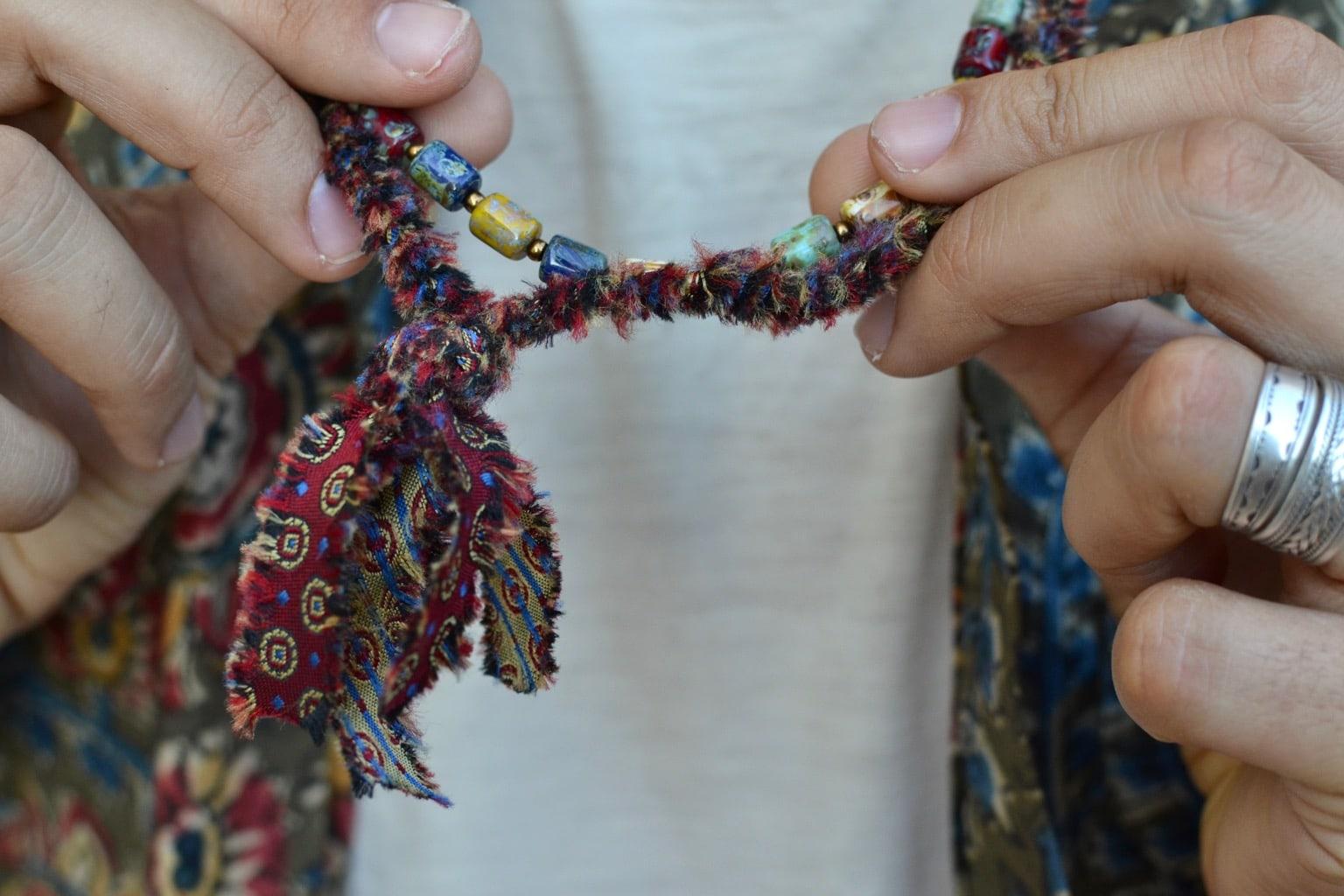 collier tissus recyclés Borali accessoire pour homme et consomamtion ethique