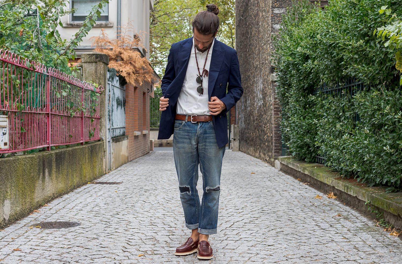 comment porter un polo dans un style masculin homme et un blazer croisé - penny loafer yuketen