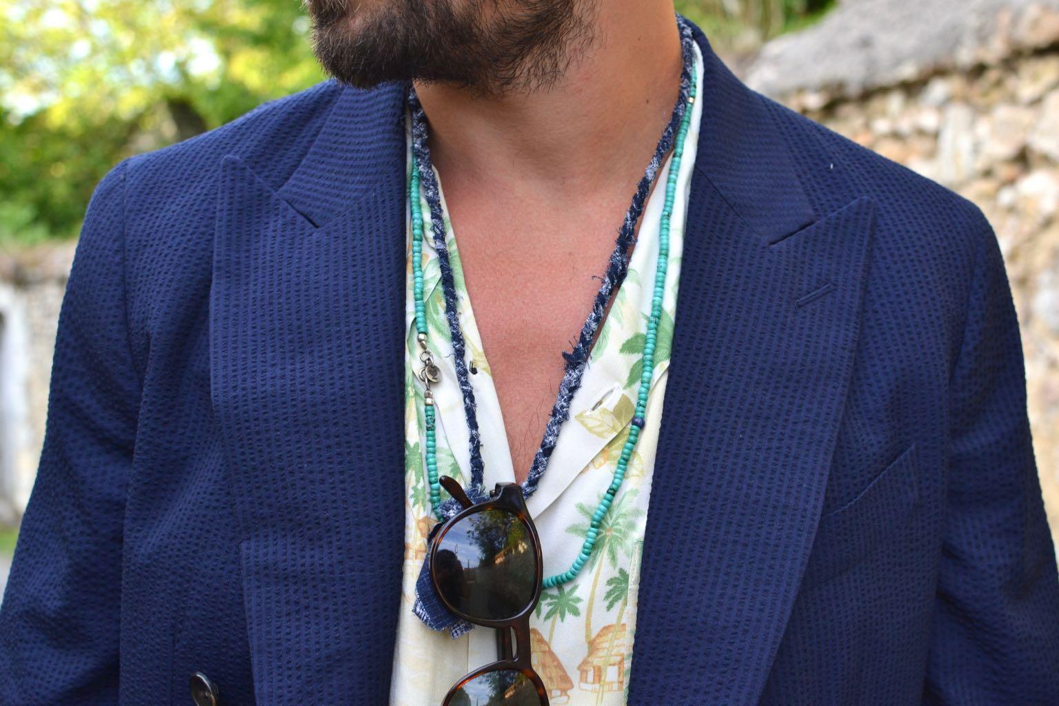 comment porter des collier dans une tenue style homme masculin avec accessoire Borali