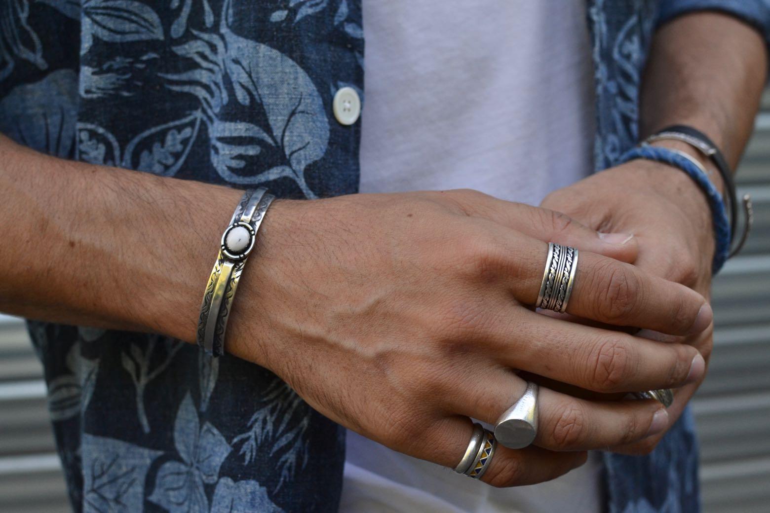idée ccessoire bijoux home bague en argent type chevalière de la marque Gilbert Gilbert