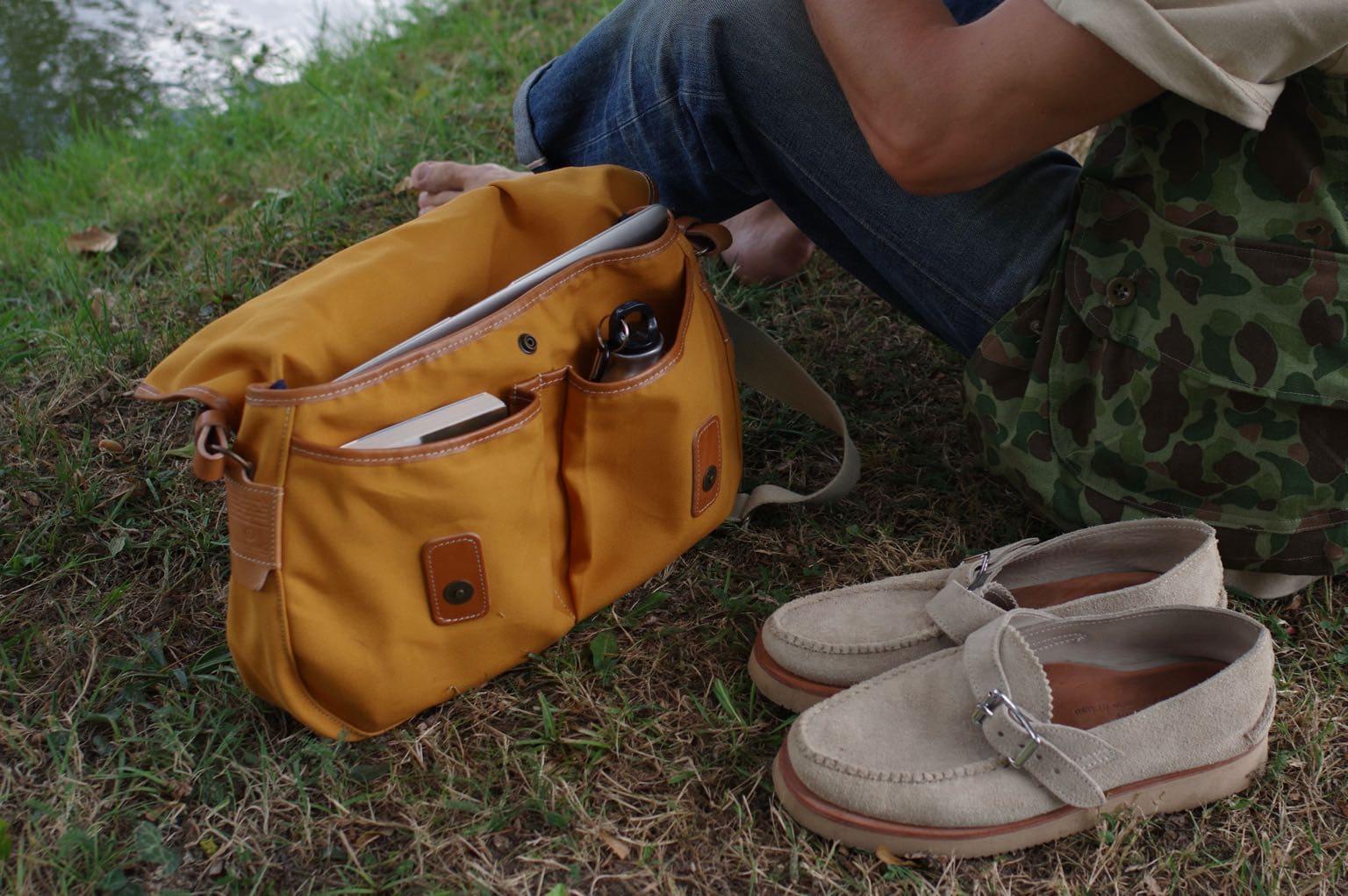 idée de sac à bandoulière besace homme inspiration workwear - musette du pêcheur bleu de chauffe