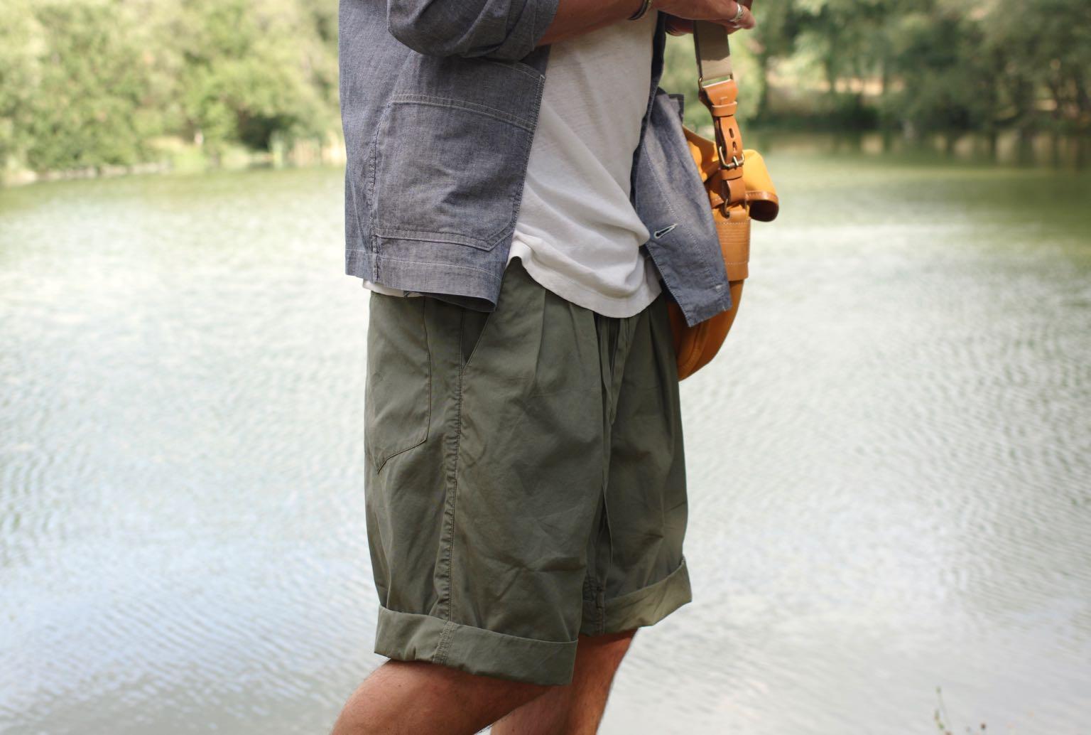 comment porter un short à pinces en été - monitaly stringwaisy pleated shorts olive - style workwear homme