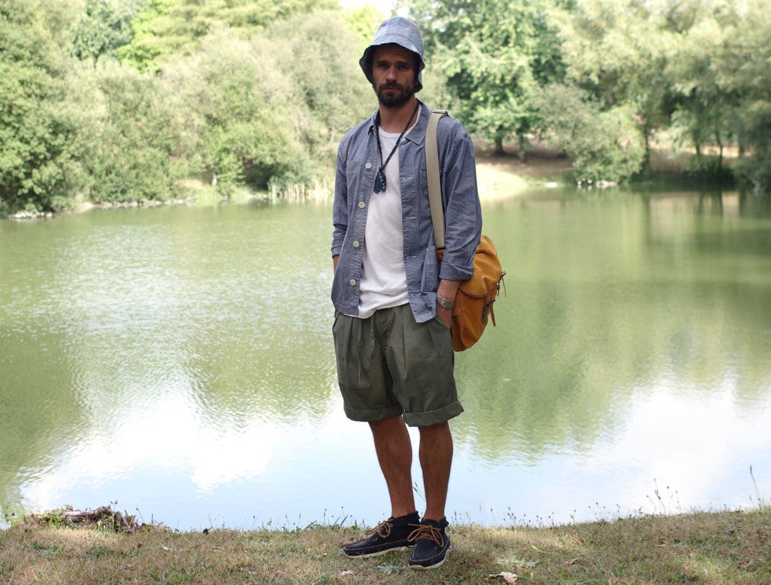 comment porter un bob style workwear été - bleu de chauffe musette du pêcheur