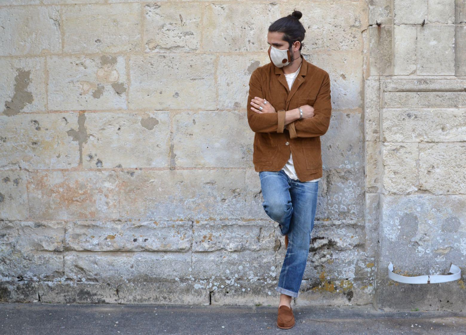 comment porter un masque avec style dans une tenue workwear homme et mocassins