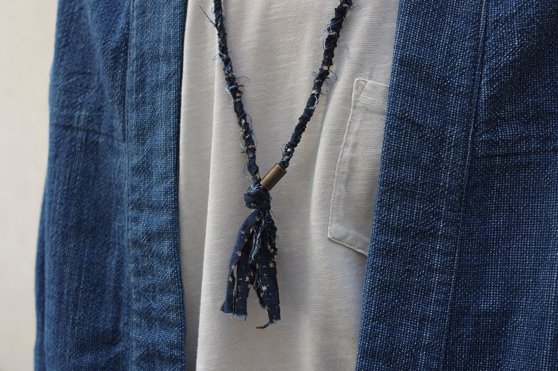 collier en tissu recyclé de la marque de bijoux pour homme et femme Borali