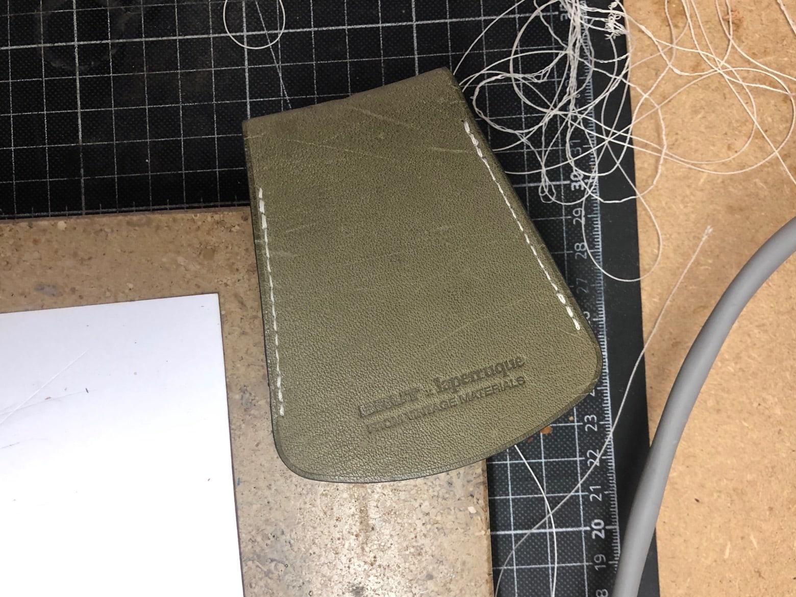 Laperruque-x-brut-clothing-porté-clé-cloche -collaboration-atelier - 4