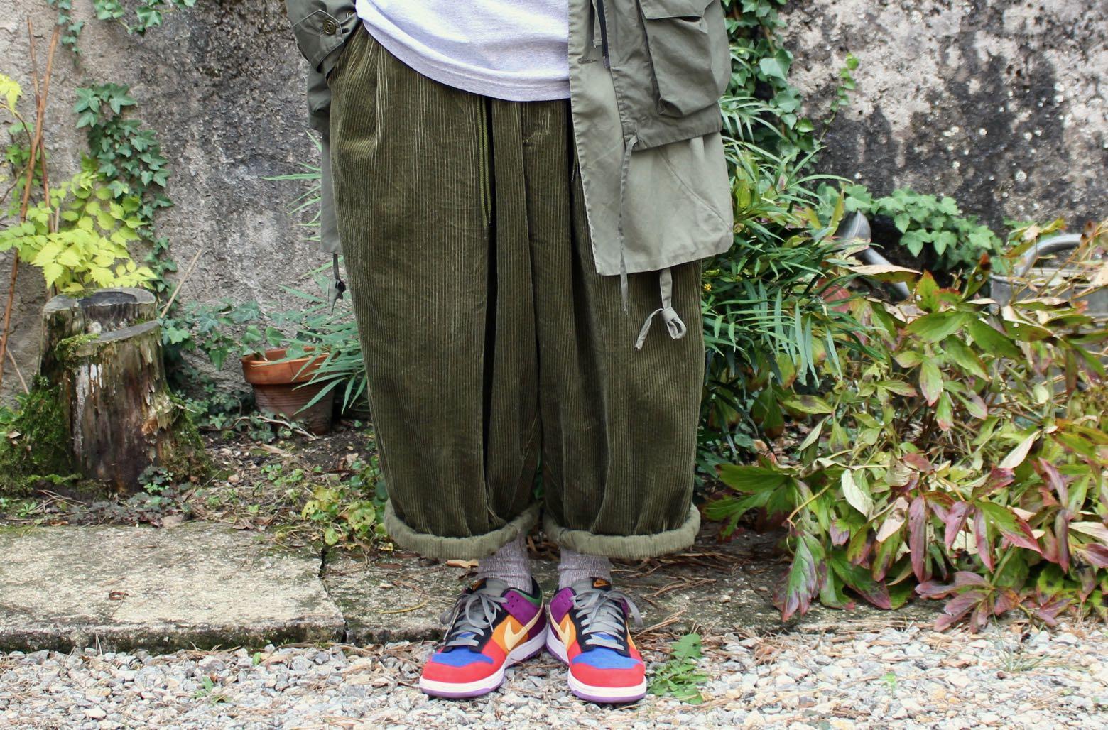 wide pants sillage en velours vert olive khaki