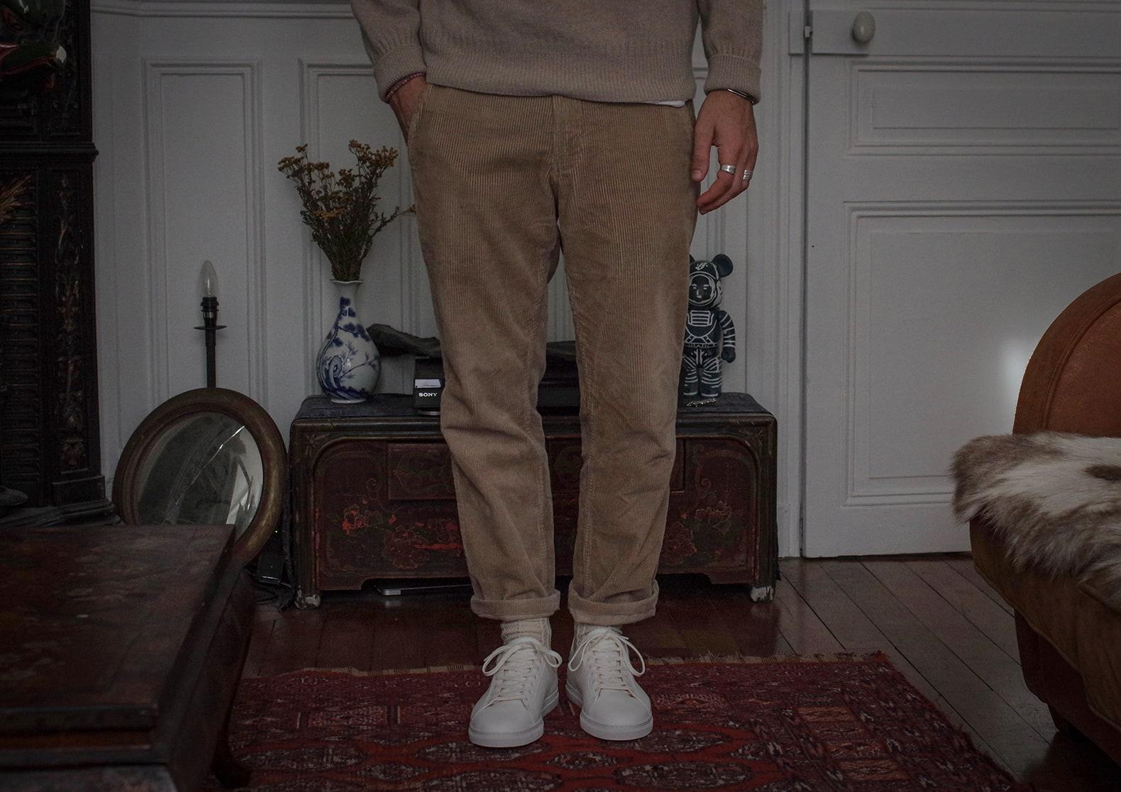 porter un pantalon en velours beige conseil look style homme