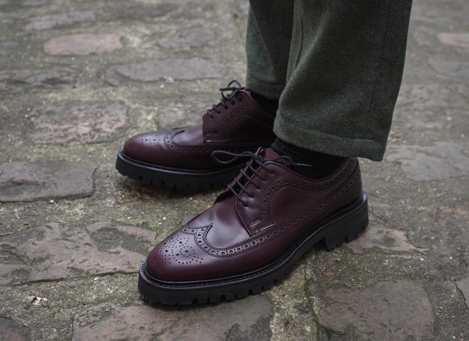 chaussure-homme-élégante-brogue-aubergine-cordovan-max-sauveur-luca-laccio-longwing-vibram-sole