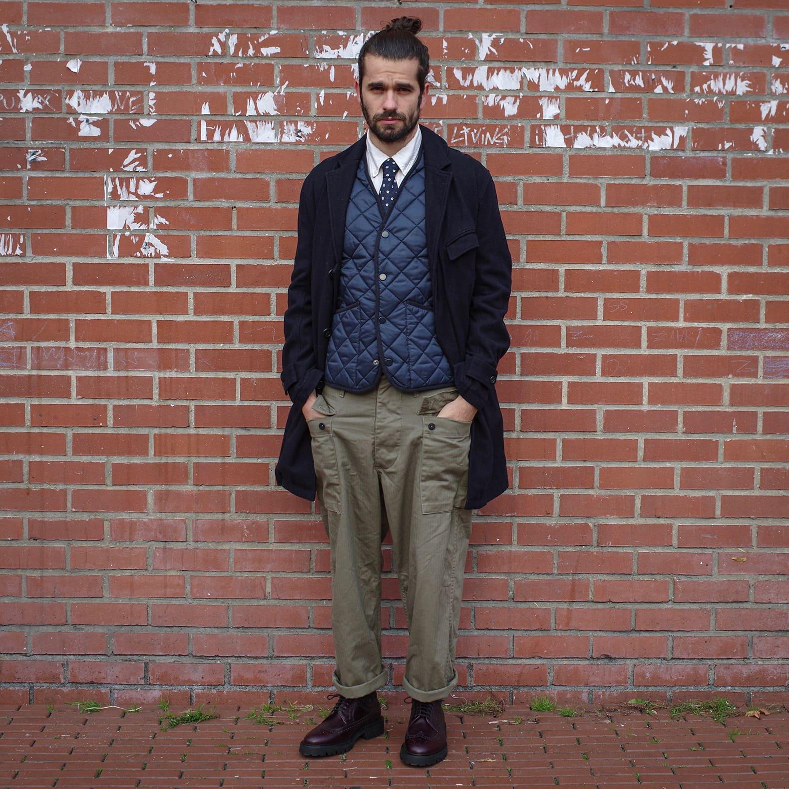 tenue inspiration militaire tailoring sofr street vintage brogues et manteau long homme