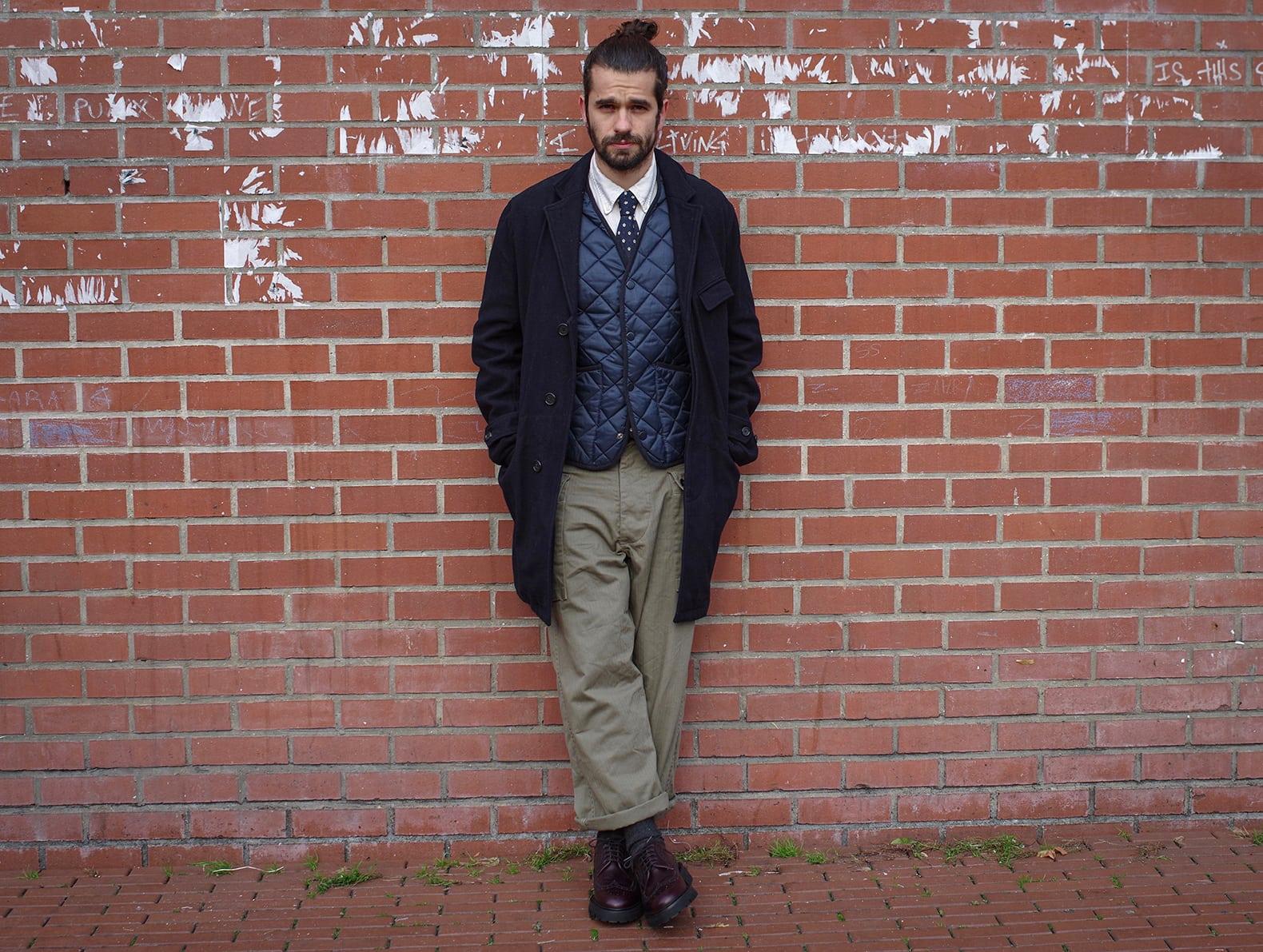 comment porter manteau long en laine et pantalon cargo militaire large quand on et un homme petit