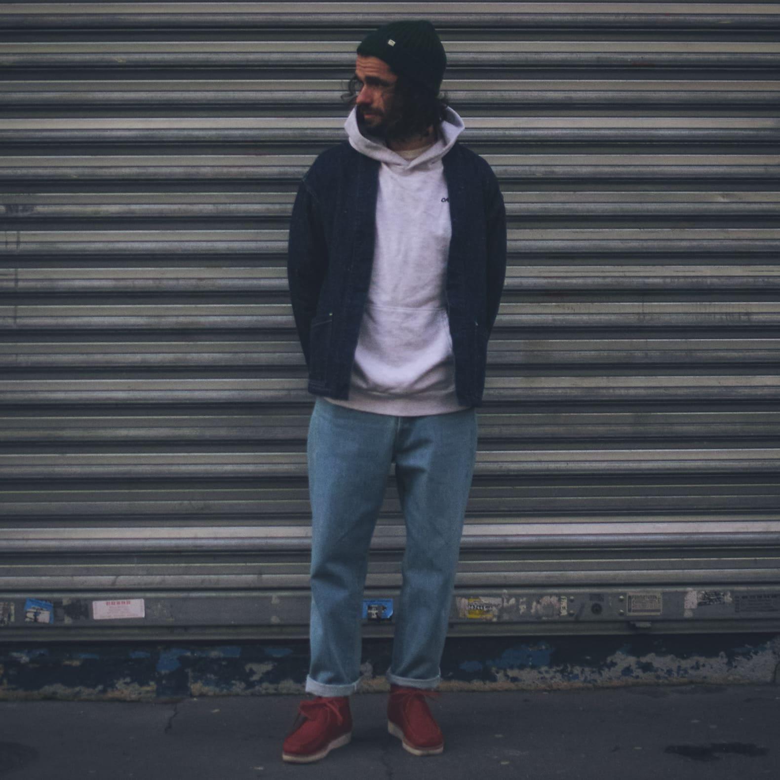 tenue homme jean bleach et sweat à capuche gris hoodie