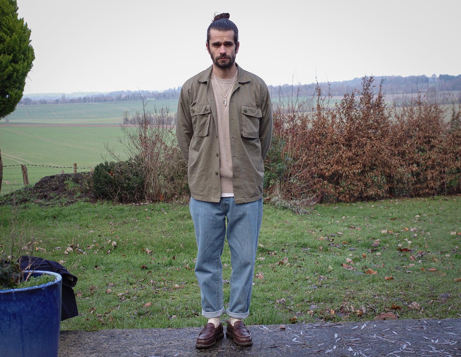 comment porter jean bleach homme surchemise militaire