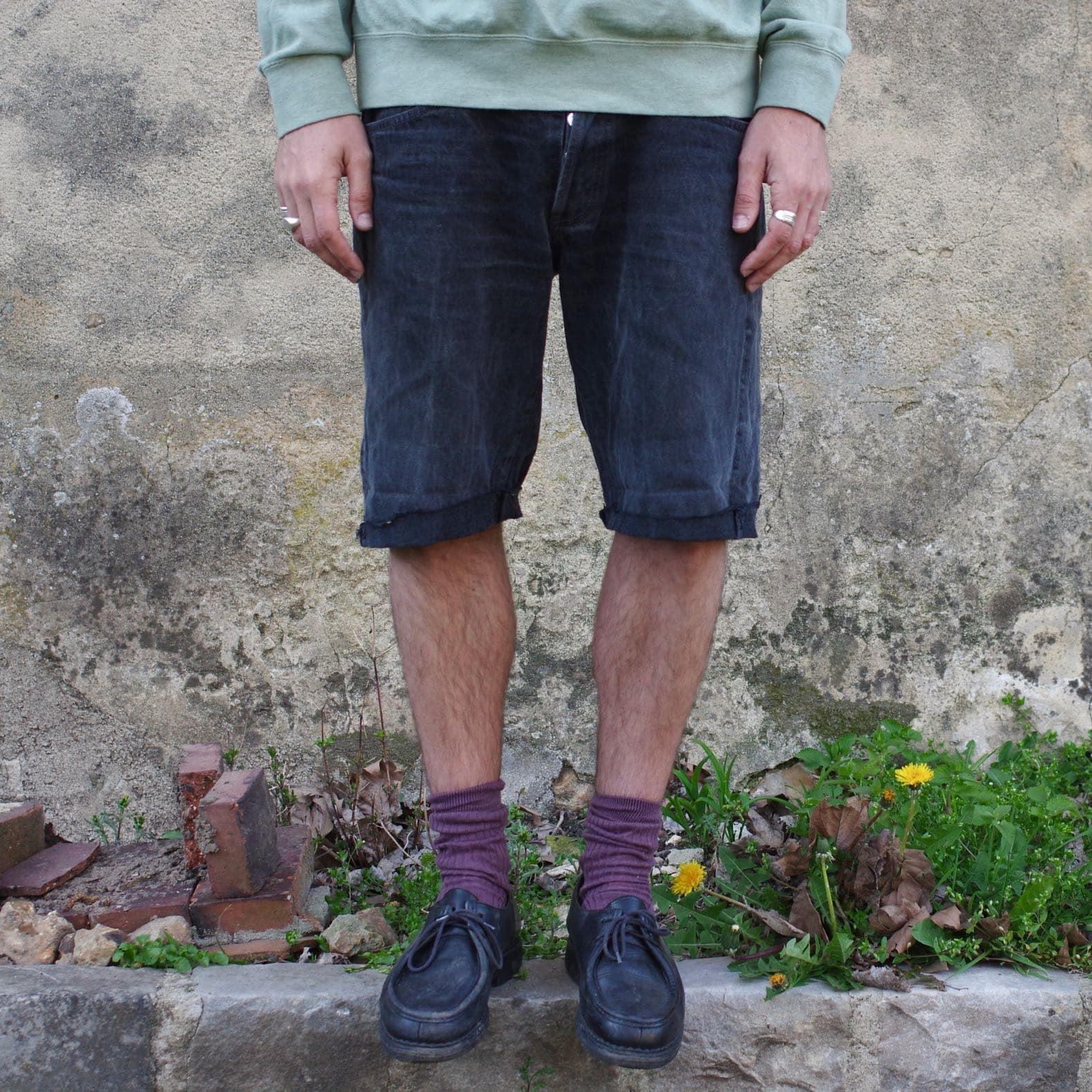 short en jean noir Lavis 501 et apraboot michael noire chaussure