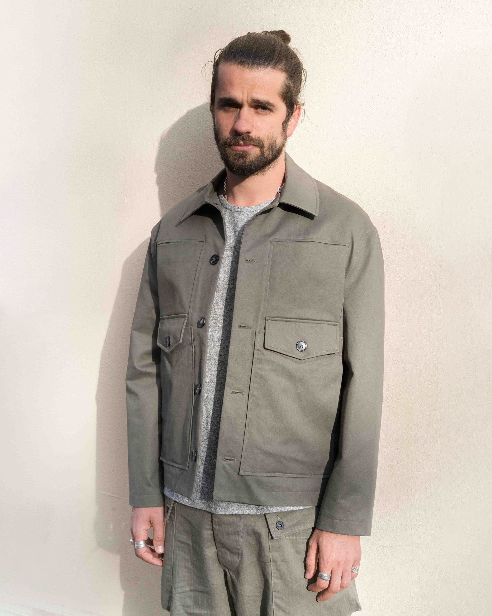 boras porte une veste verte olive de la marque coltesse