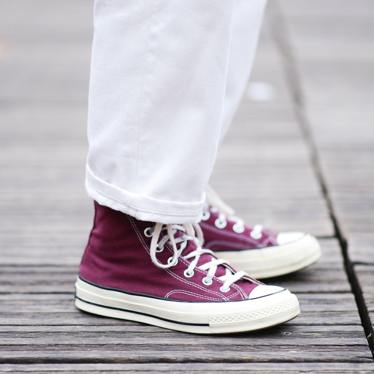 idée-porter-jean-blanc-avec-converse-bordeaux