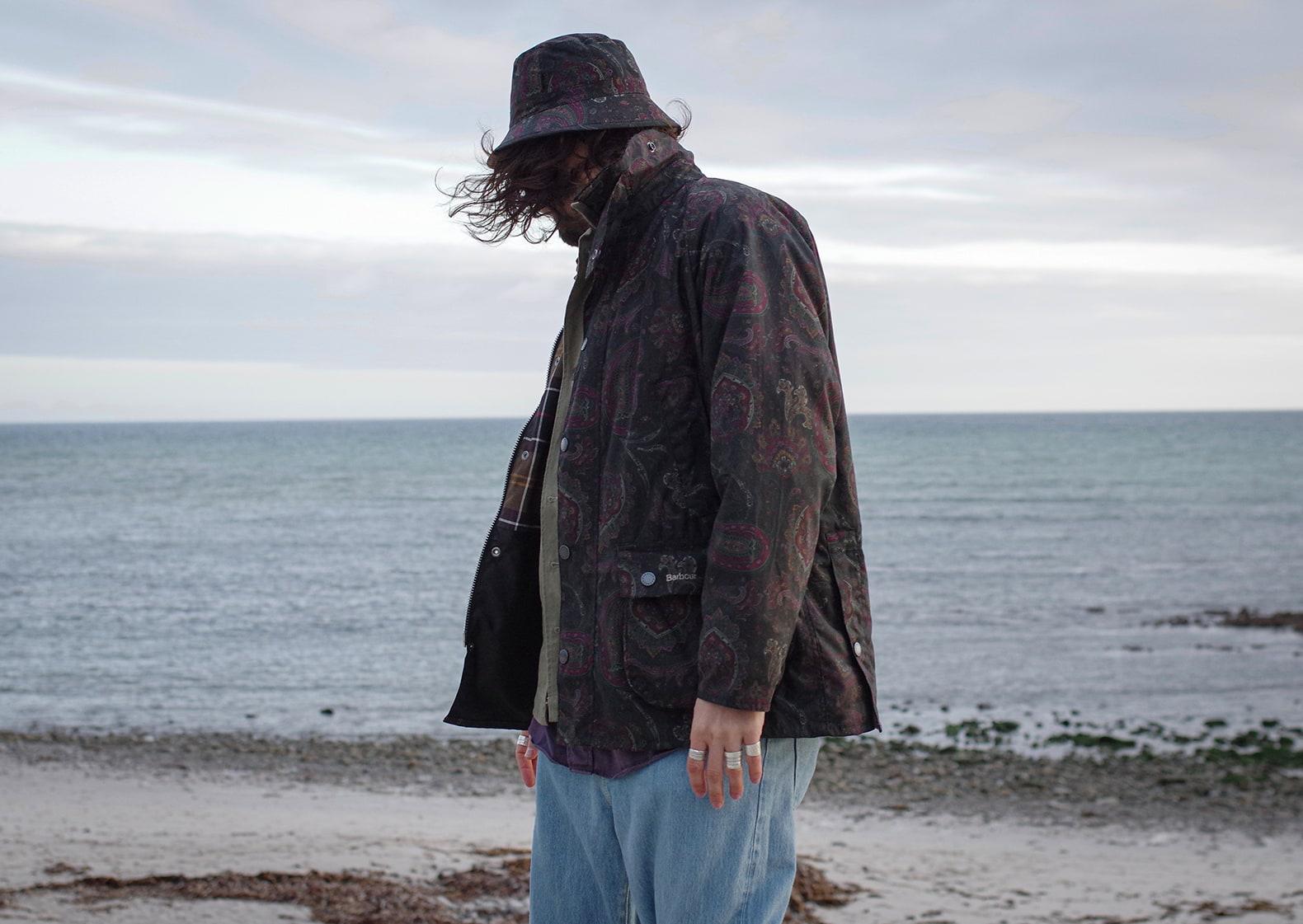 une tneue homme style heritage avec la bedale jacket de barbour en collab avec Noah NYC en motif paisley