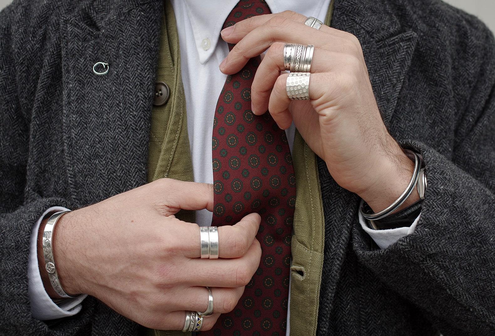 cravate dare in paris en soie et faite à la main dans un atelier parisien