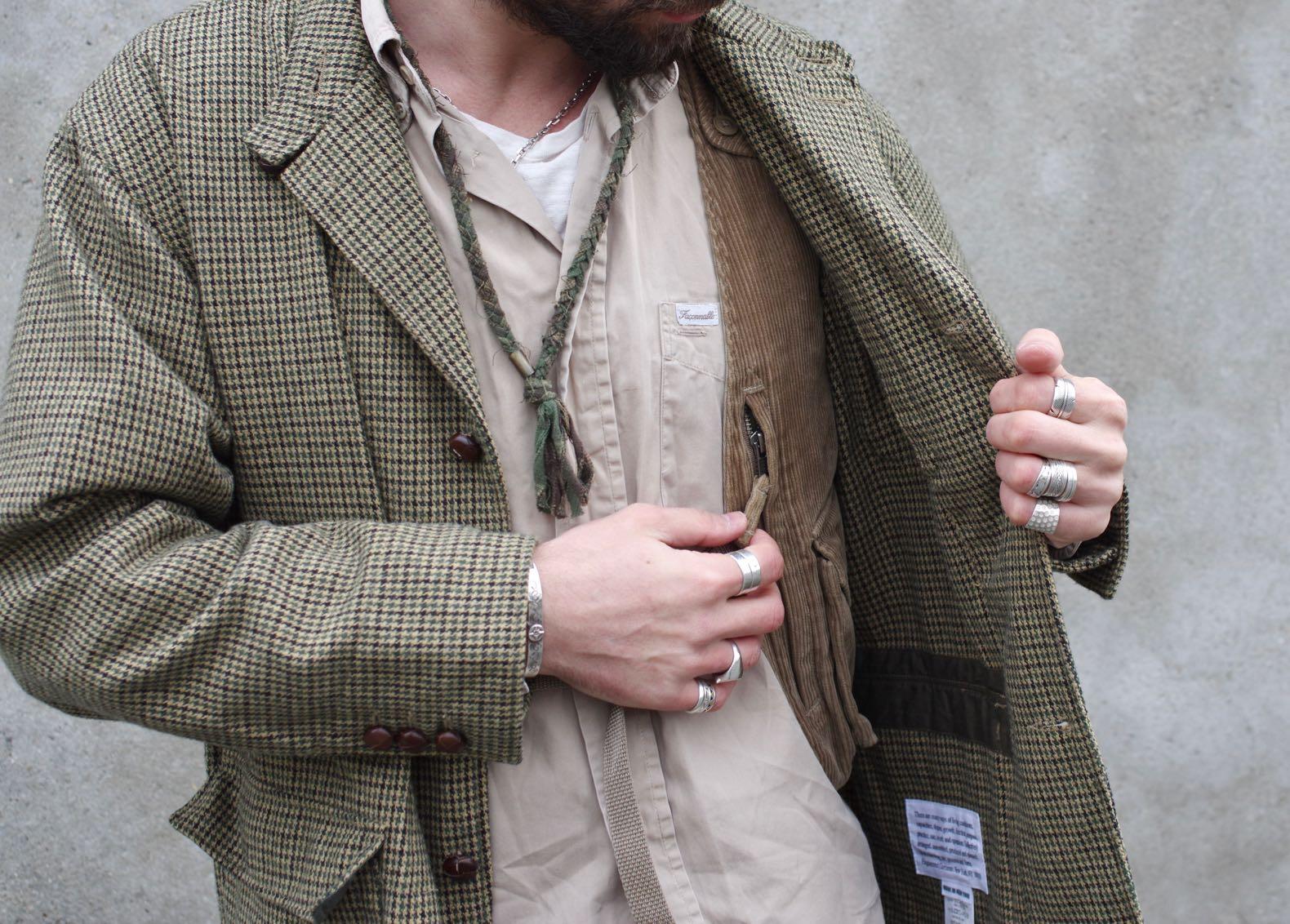 Engineered garments should vest kaki corduroy et collier borali et chemise vintage façonnable