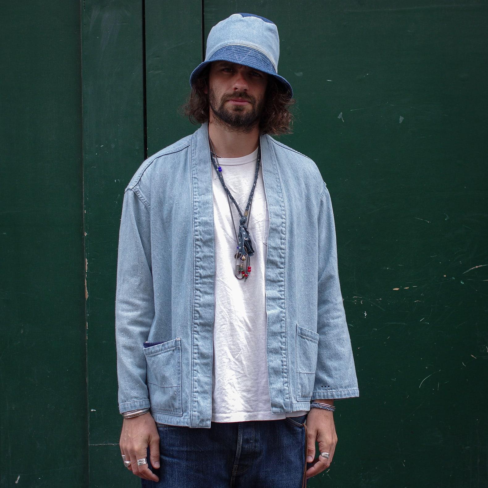veste kimono noragi en jean bleach de la marque Borali avec un bob en jean patchwork engineered garments