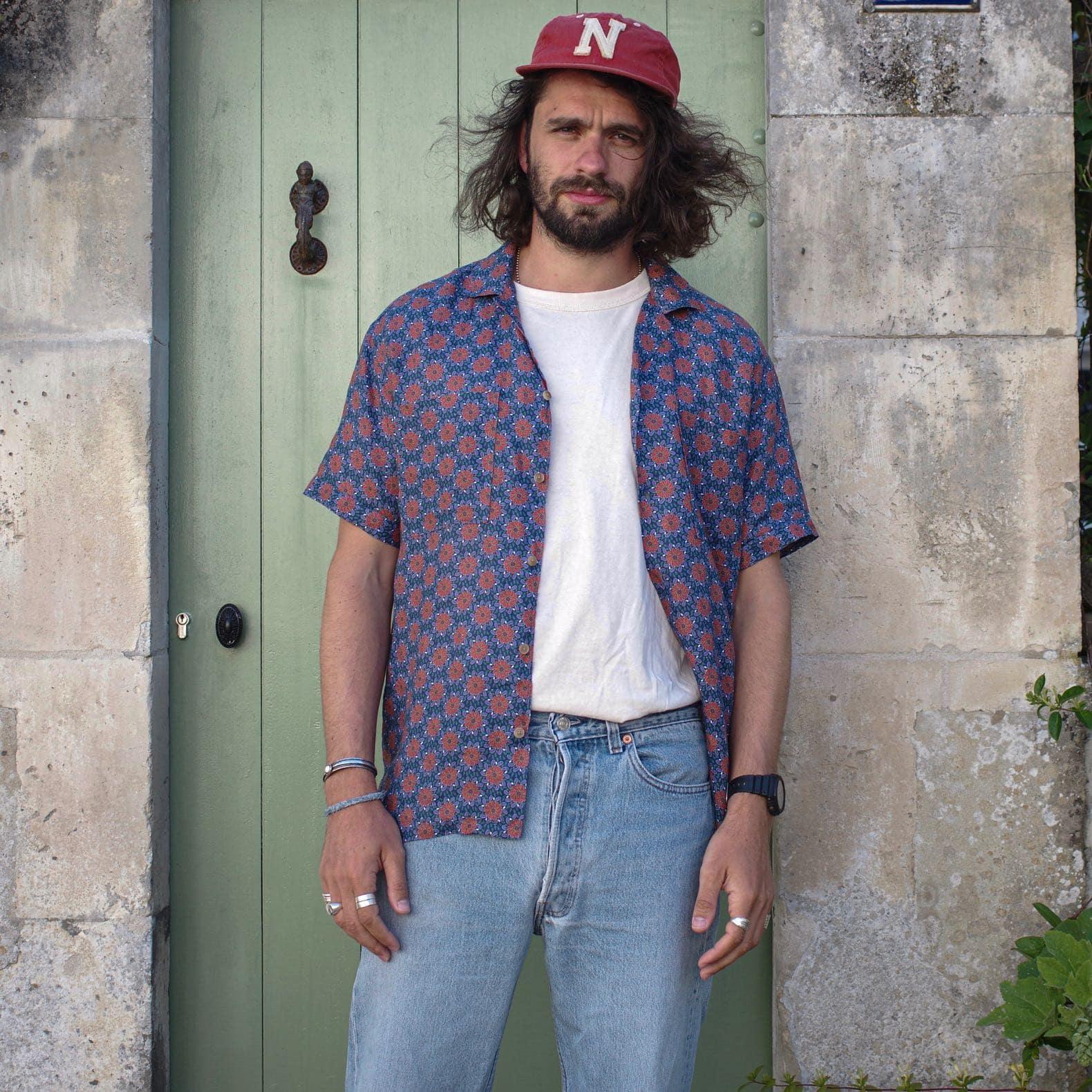 chemise manches courte en lin rose avec un imprimé zèbre de la marque histon projects motif flower power