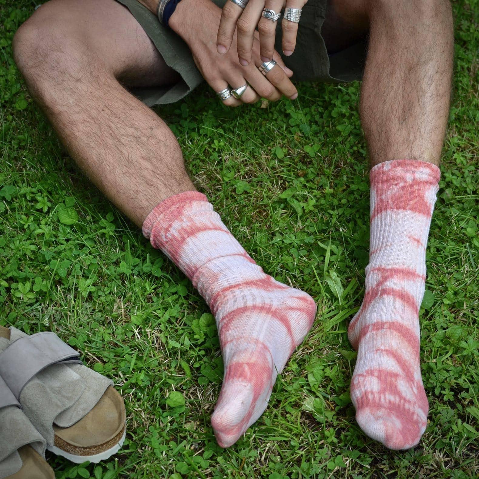 chaussettes royalties tie and dye et birkenstock kyoto