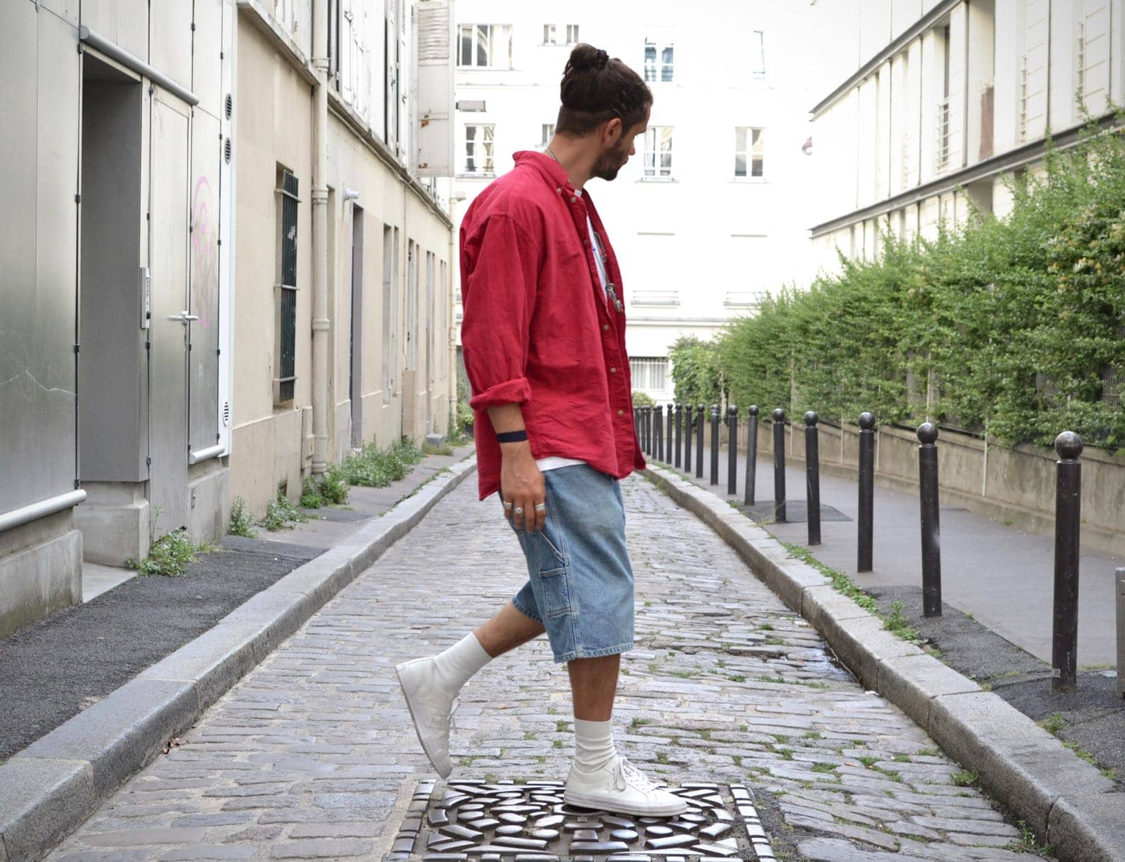 look homme coupe baggy style streetwear