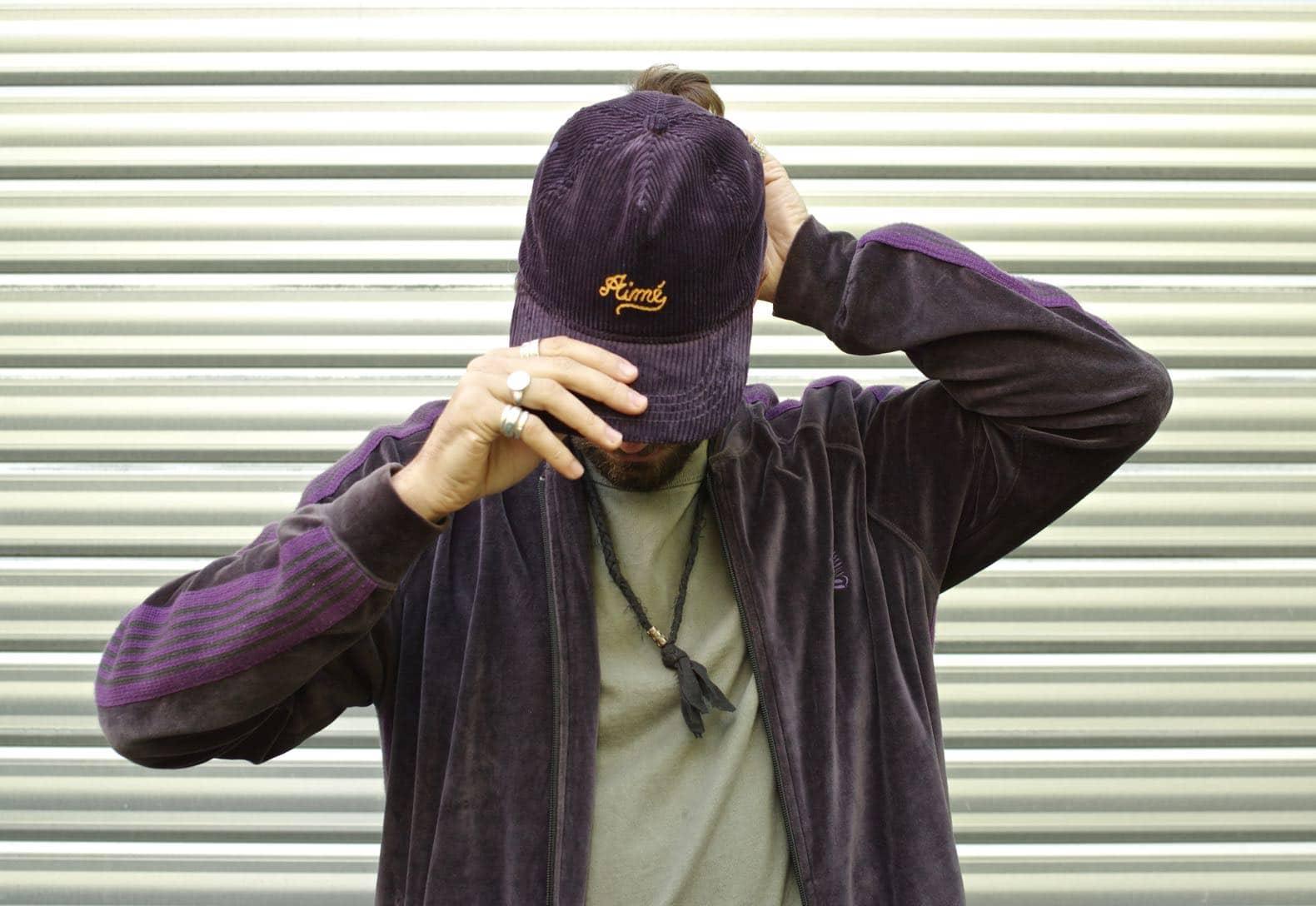 casuqette marque aimé leon dore en velours violet
