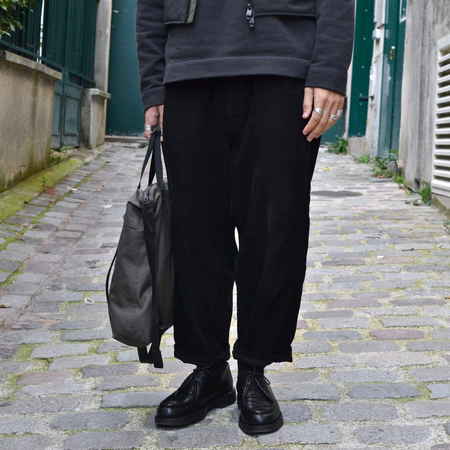 pantalon en velours coupe loose tapered Borali
